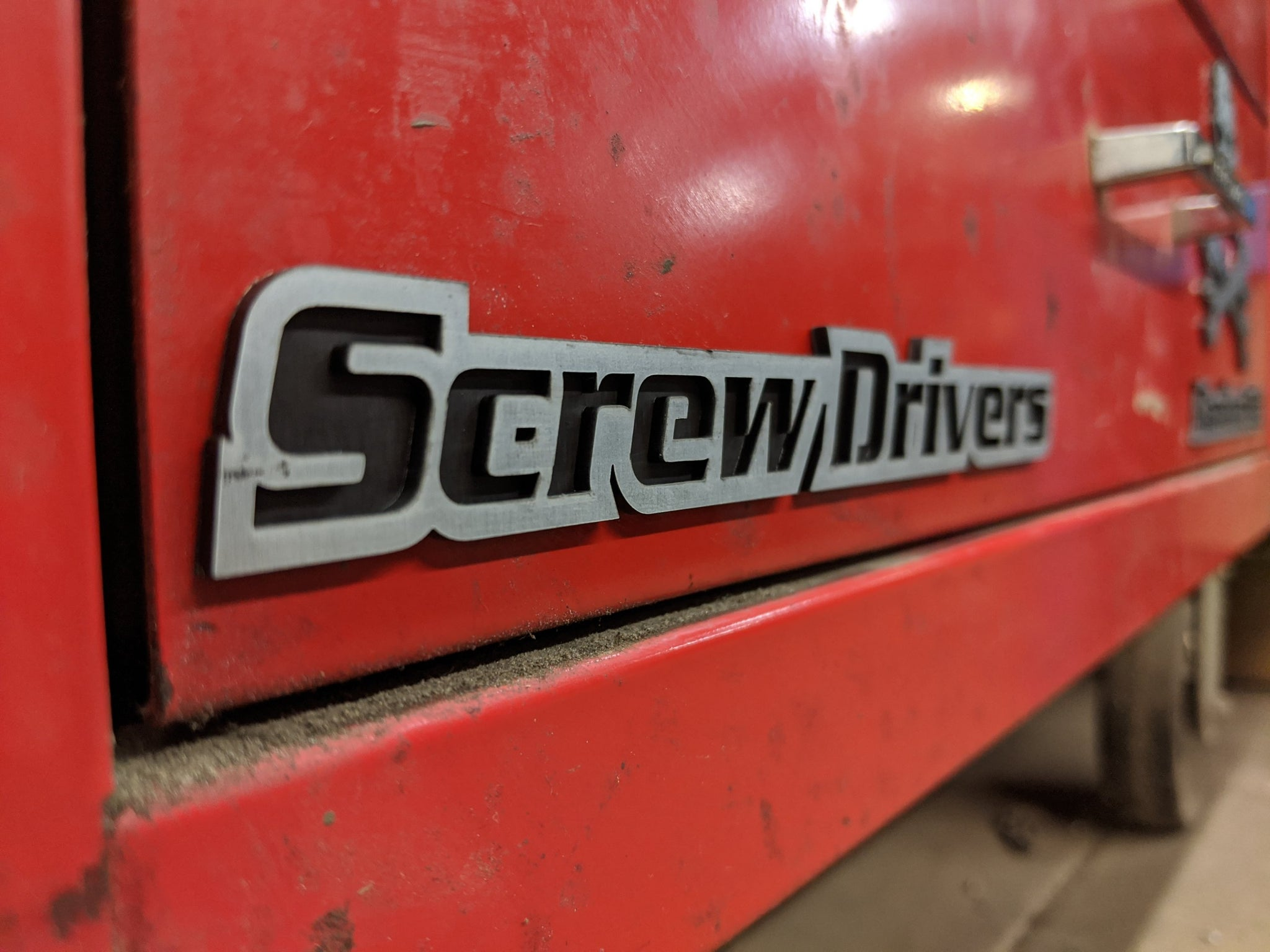 Custom Toolbox Drawer Emblems - Screw Drivers