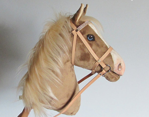 Dark palomino Hobby Horse open mouth with removable leather bridle