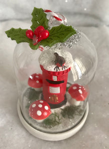 Christmas Scene Glass Tree Ornament - Robin on a Postbox