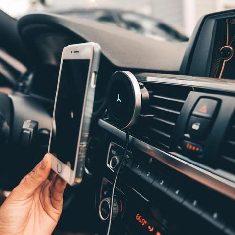 Wireless Car Charger Mount for iPhone & Samsung