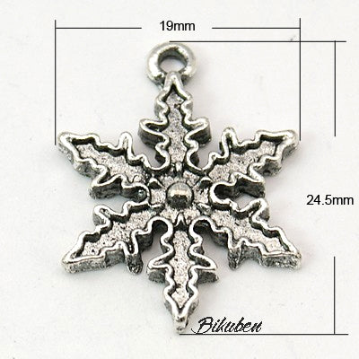 Charms - Antique Silver - Snowflake Outline