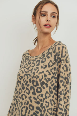 Brushed Animal Printed Raglan Long Sleeve Top