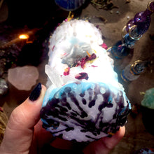 Load image into Gallery viewer, Stone of Wisdom Mini Spell Candle with Blue Calcite, Peacock Ore, & Clear Quartz