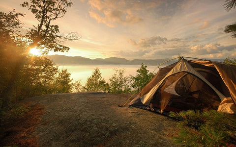 CAMPING TENTS & COOKWARE