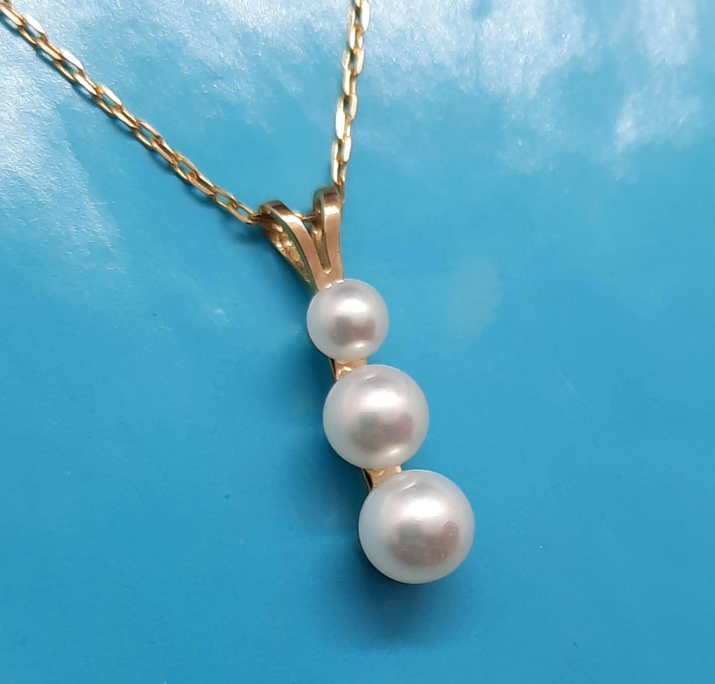 10KY gold White Pearl triple pendant Necklace 18""