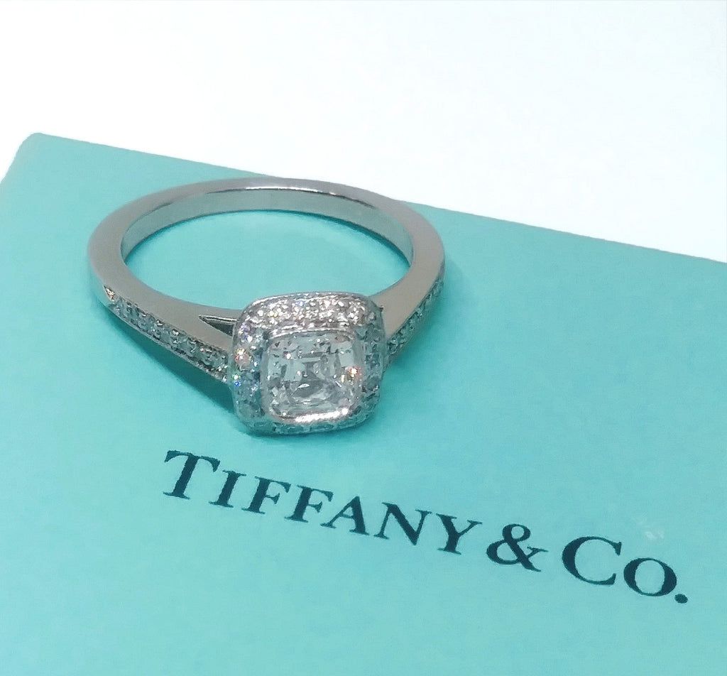 ESTATE Platinum Diamond VVS/F Tiffany Ring w/ certificate