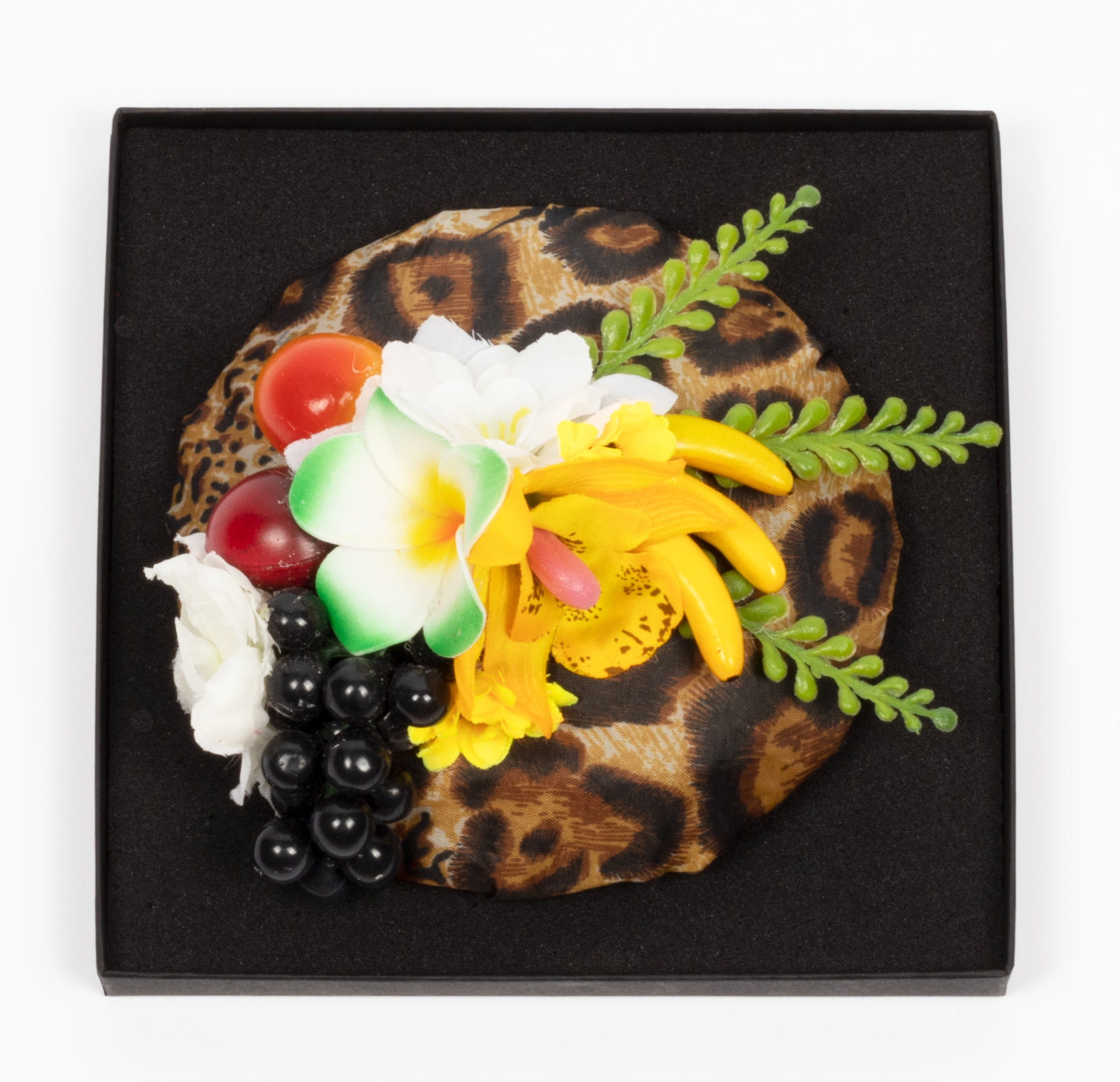 Hiuskoriste, Leopard And Fruits