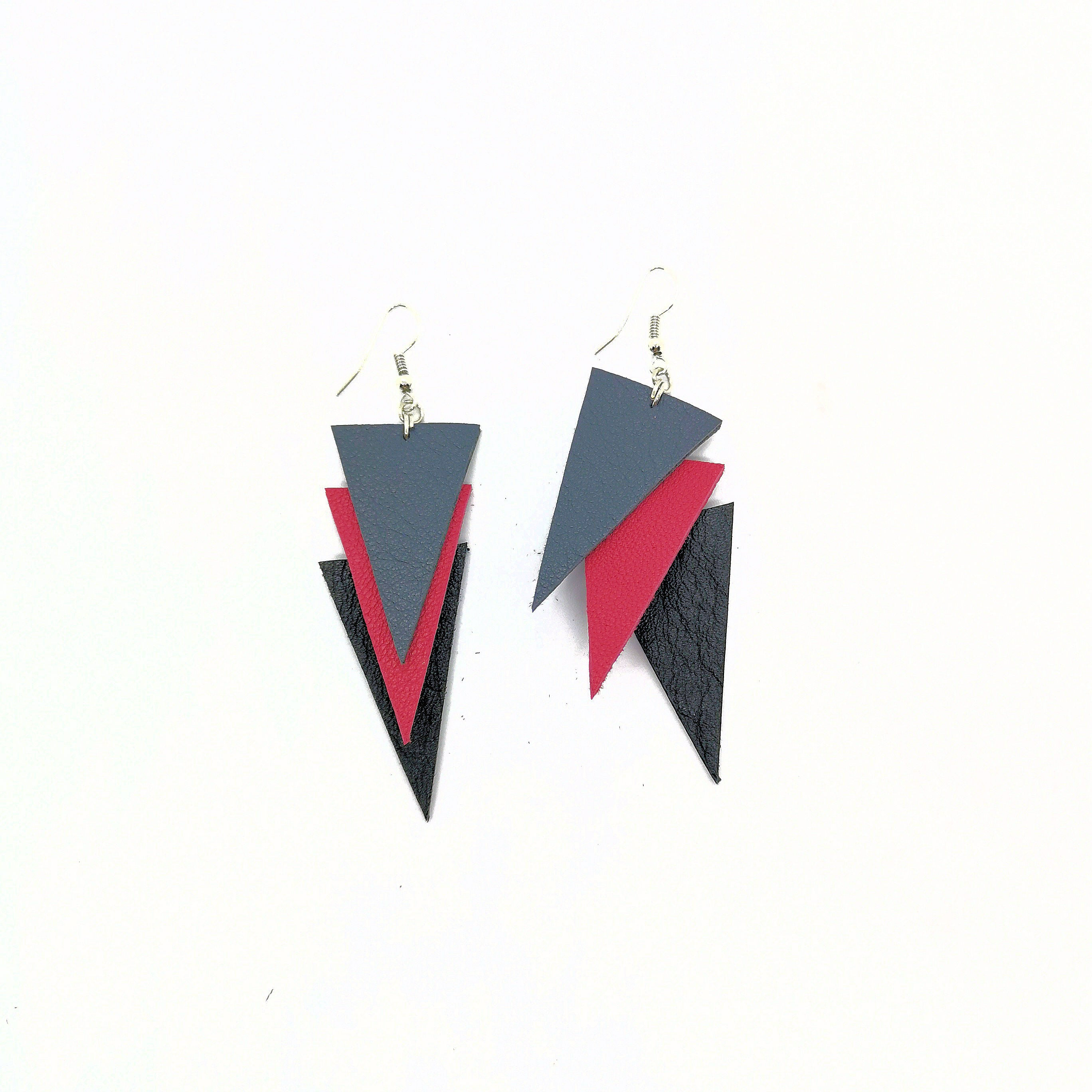Earrings Triple Triangle Small Red - RokrokInc. - Bombus