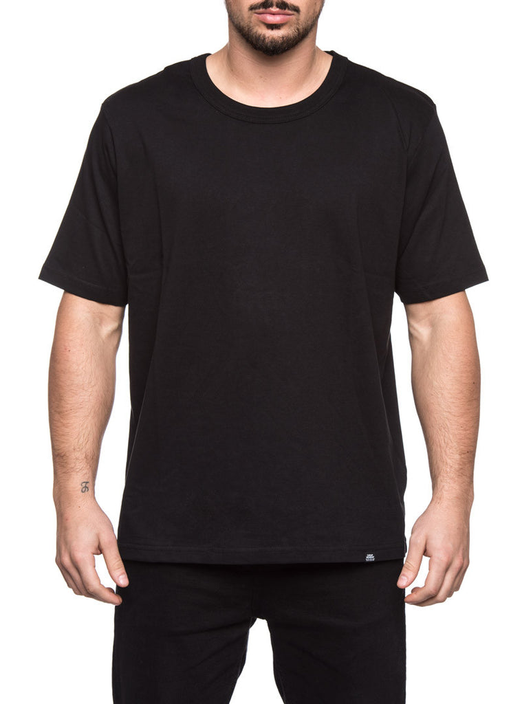 MEN'S CLOTHING | BLACK BOXER T-SHIRT | RELAXED FIT | EXTENDED SLEEVES | ORGANIC COTTON | CHEAP MONDAY | NOHOW