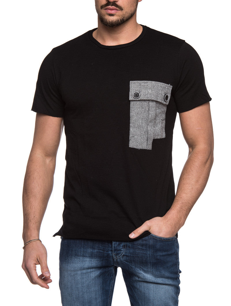 BLACK POCKET T-SHIRT