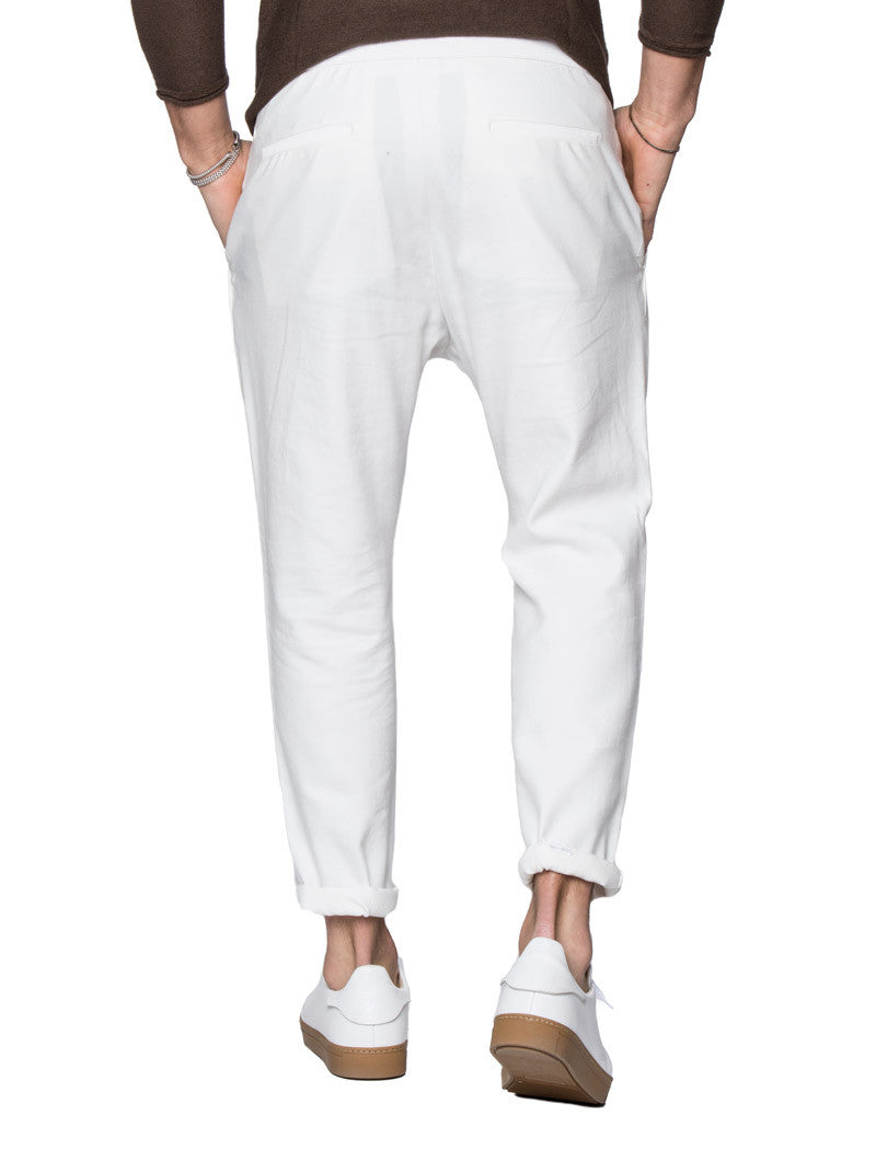 MEN'S CLOTHING | LIGHT CREAM CARROT PANTS | CARROT TROUSERS | SUMMER BOTTOMS | TAPERED FIT | WHITE | LIGHT CREAM | DRAWSTRING WAISTBAND | DROPPED CROTCH | LINEN | COTTON | NOHOW STREET COUTURE | NOHOW