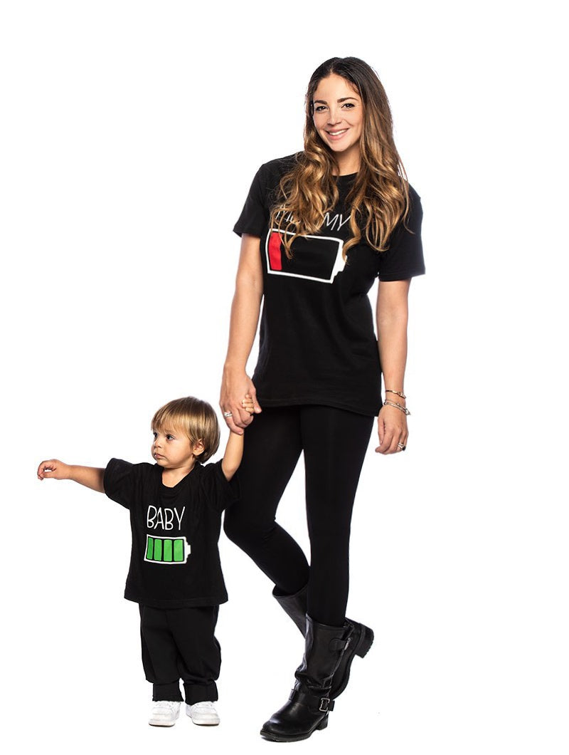 MOMMY AND BABY CHARGE T-SHIRT IN BLACK