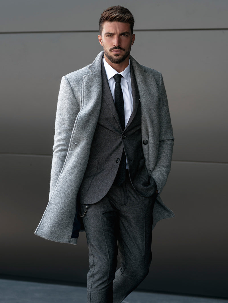 OSCAR DOUBLE BREASTED COAT IN LIGHT GREY