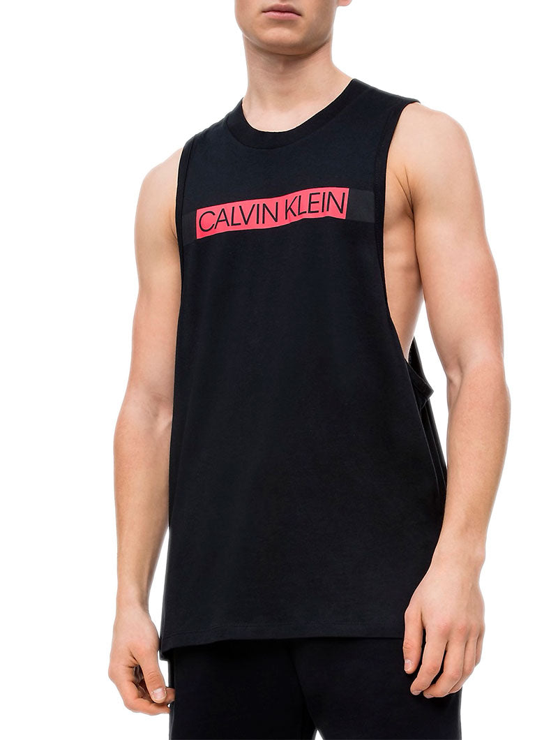 CREW NECK MUSCLE TANK IN BLACK