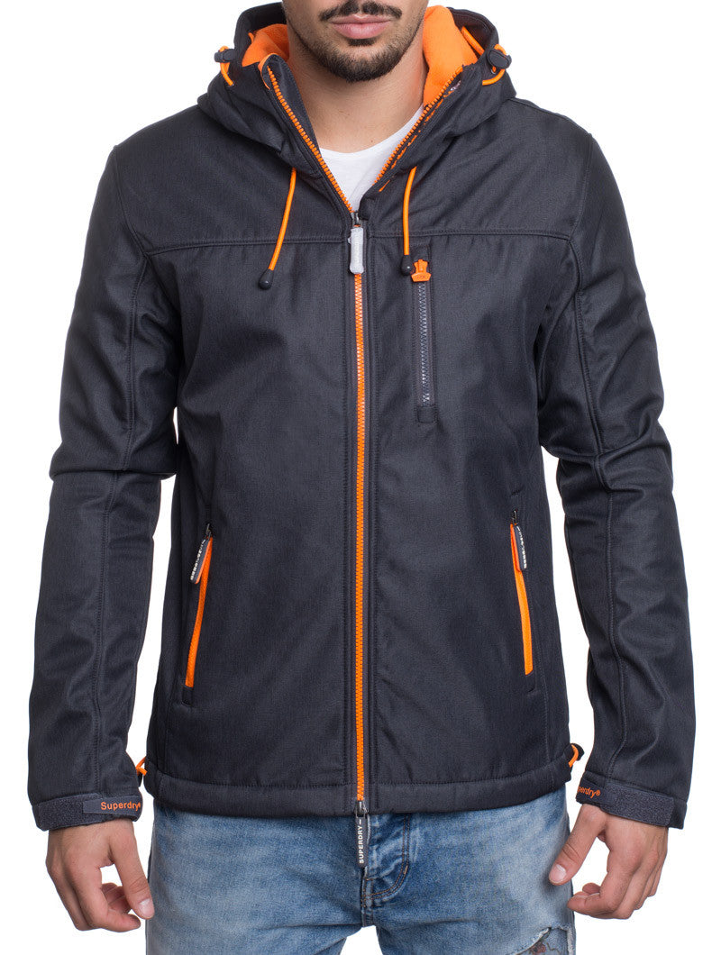 HOODED WINDTREKKER