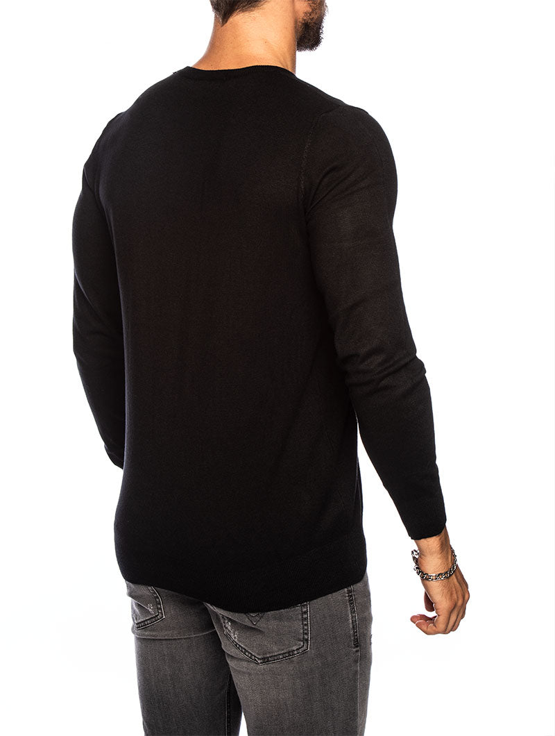 LARRIE CREWNECK SWEATER IN BLACK
