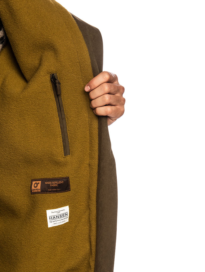 RUNE PARKA IN OLIVE GREEN