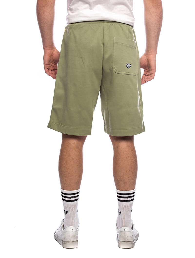 SHORTS IN LIGHT GREEN