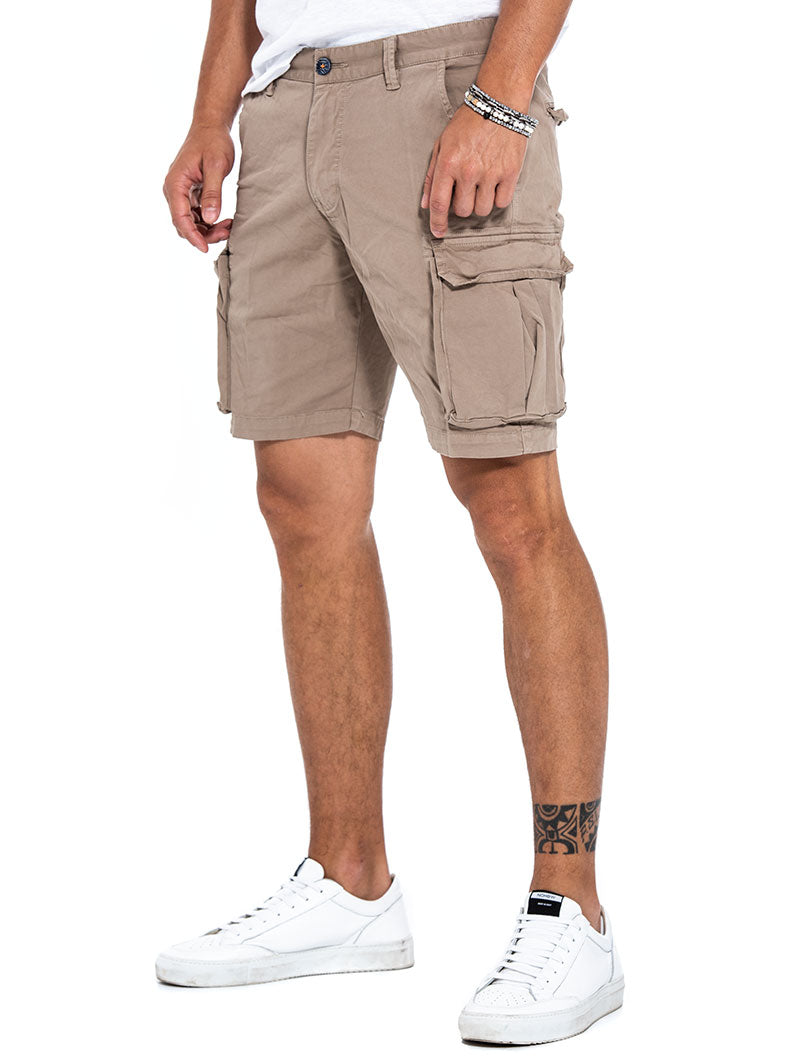 IVOR CARGO SHORTS IN BEIGE