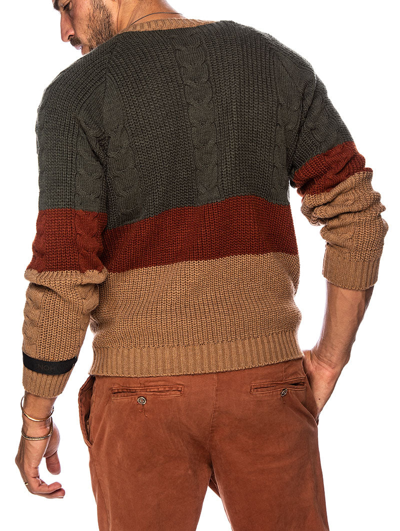 KOLE CREWNECK SWEATER IN GREEN, TOBACCO AND CAMEL