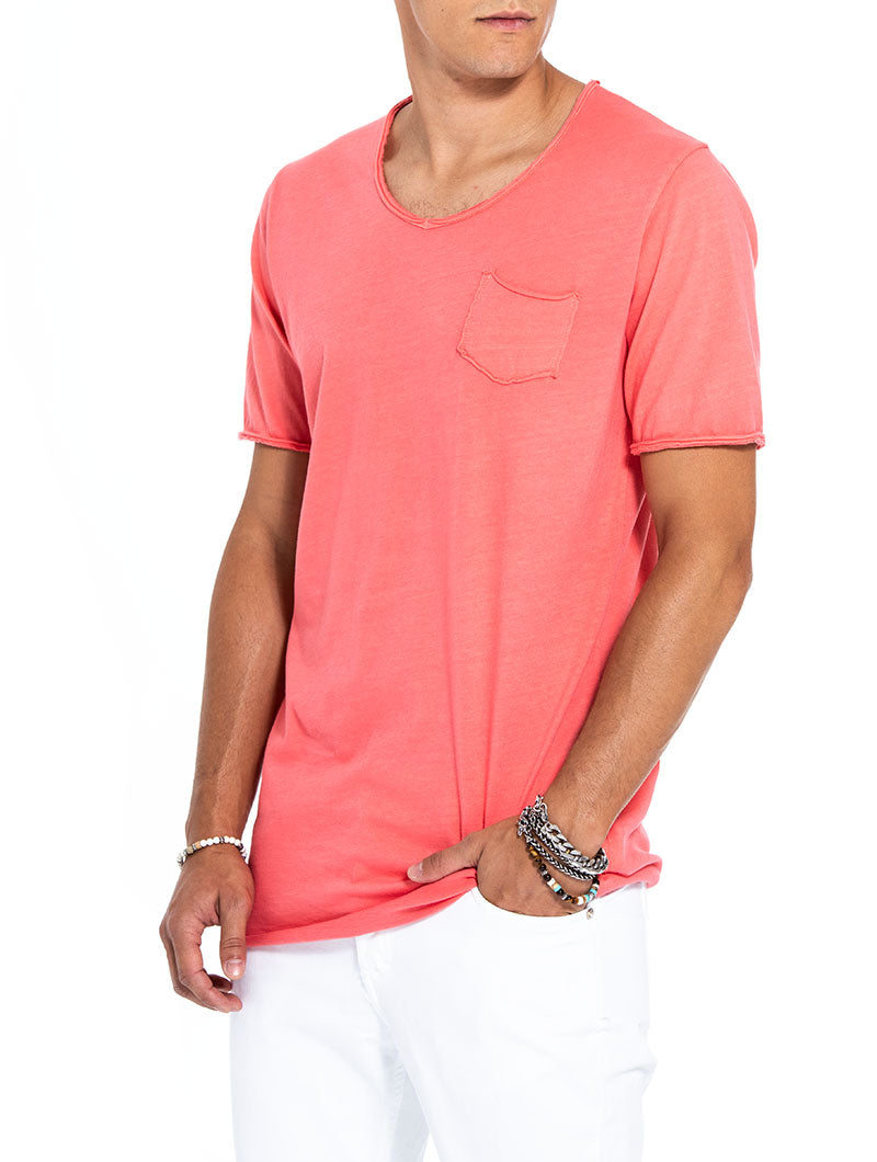 DYLAN POCKET T-SHIRT IN CORAL