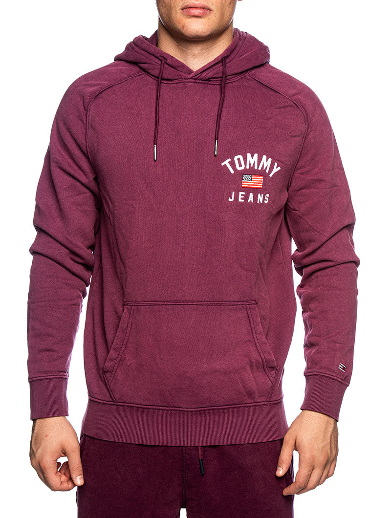 TJM WASHED CHEST GRAPHIC HOODIE IN BURGUNDY