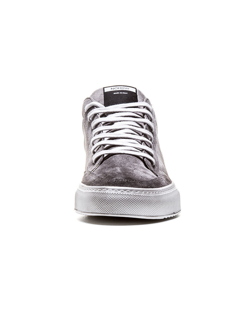 009 SUEDE SNEAKER IN ICE GREY
