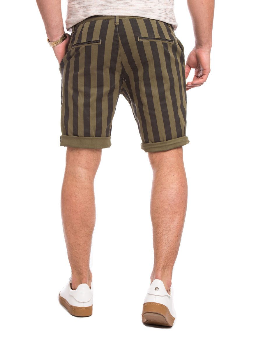 MEN'S CLOTHING | GREEN AND BLACK STRIPED SHORTS | CHINO SHORTS | DRAWSTRING WAISTBAND | KNEE LENGTH | COTTON | #SUMMERVIBES | NOHOW STREETWEAR COLLECTION | NOHOW