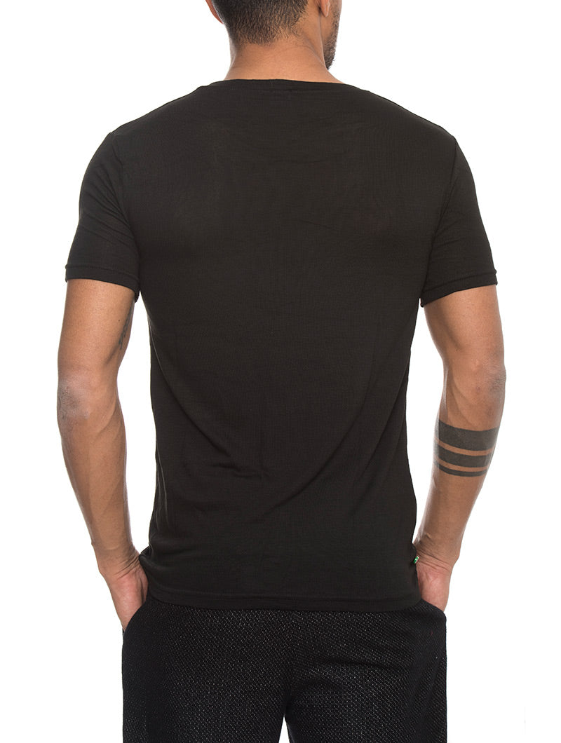 KNITTED T-SHIRT IN BLACK
