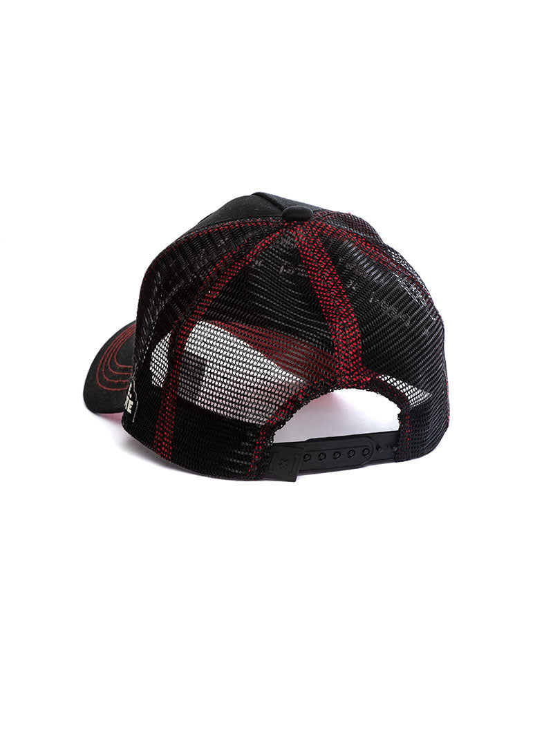 WILE. E COYOTE CAP IN BLACK AND RED