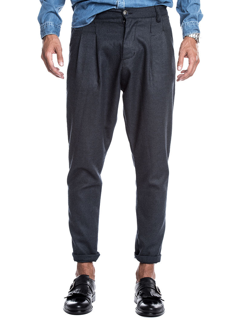 MEN'S CLOTHING | PLEATED PANTS IN BLUE | FRONT PLEATS | TAPERED LEG | NOHOW