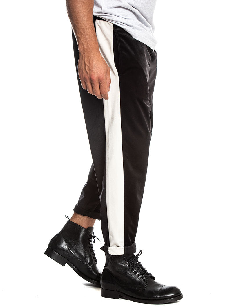 DISORDER TRACKPANTS IN BLACK AND WHITE