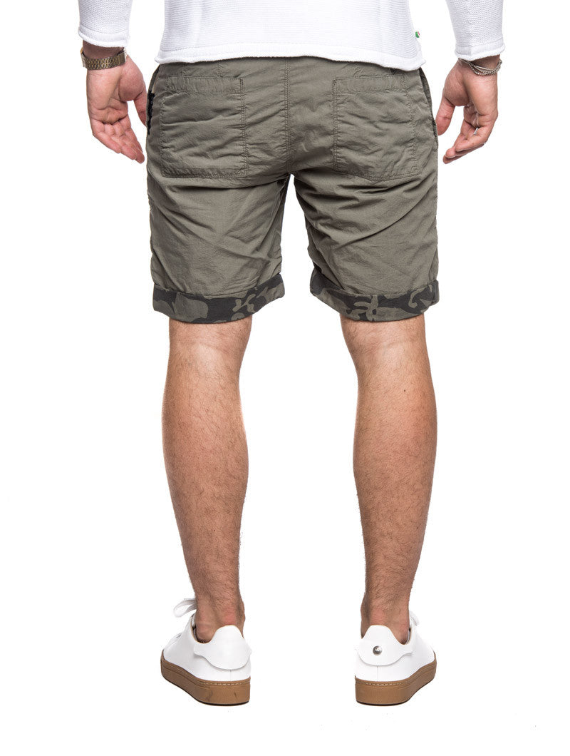 WOOLRICH REVERSIBLE CAMOU SHORTS