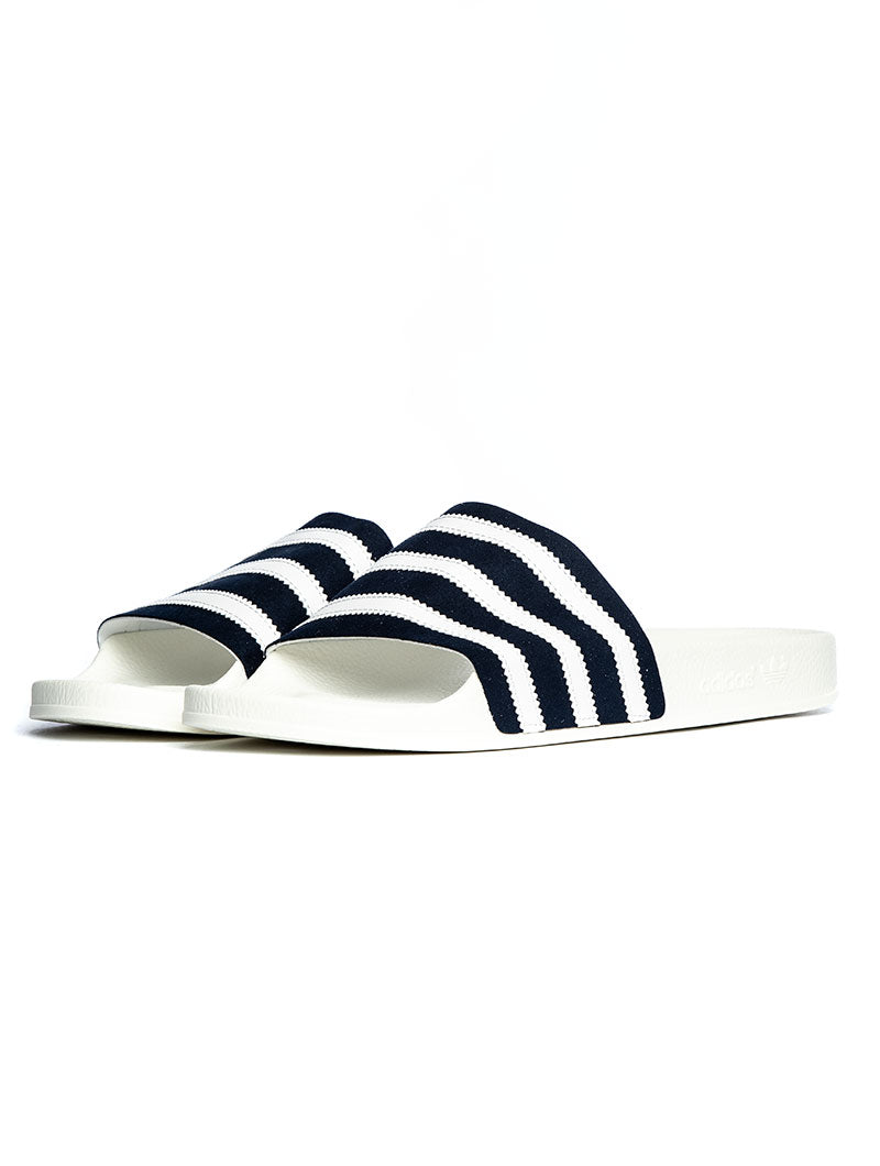 ADILETTE SANDAL IN WHITE AND BLUE
