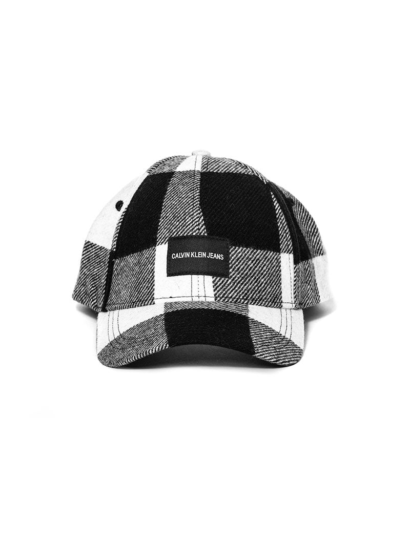 J CHECK CAP IN BLACK AND WHITE CHECK