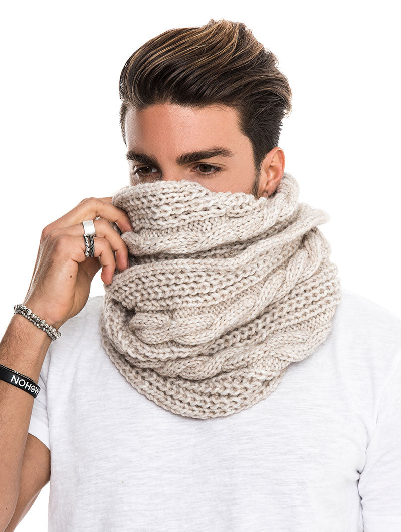 LAERTE CABLE KNIT NECK WARMER IN BEIGE