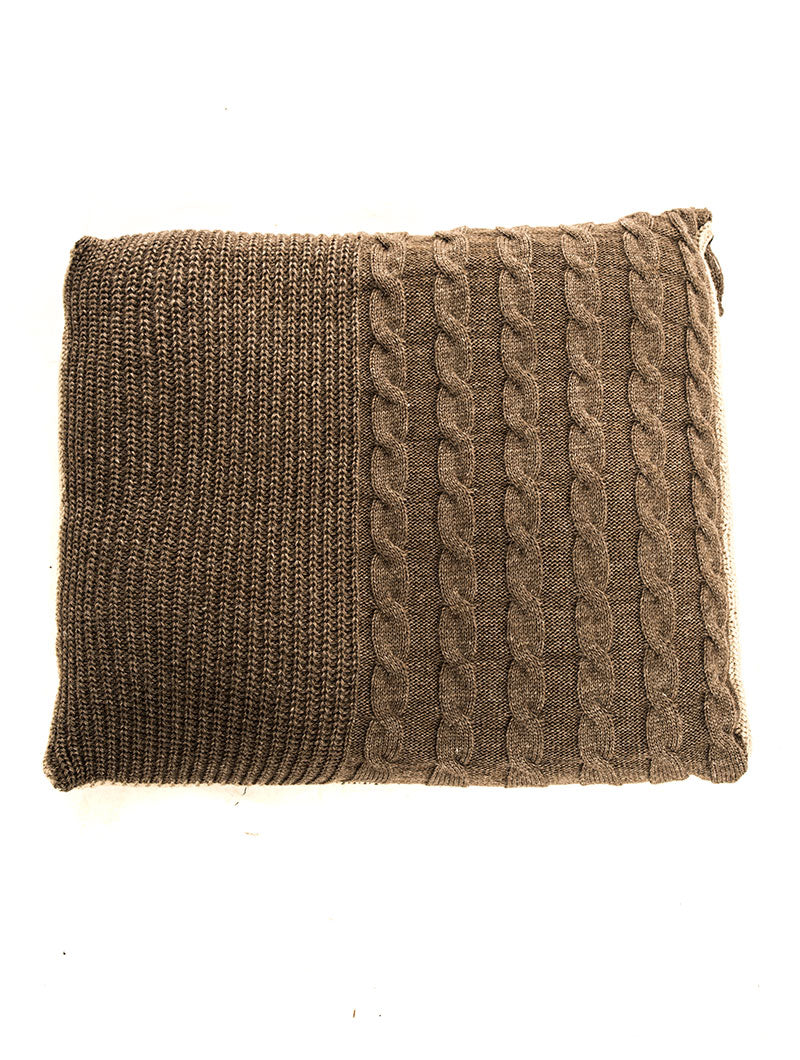 COZY OVERSIZED KNITTED PILLOW IN MUD
