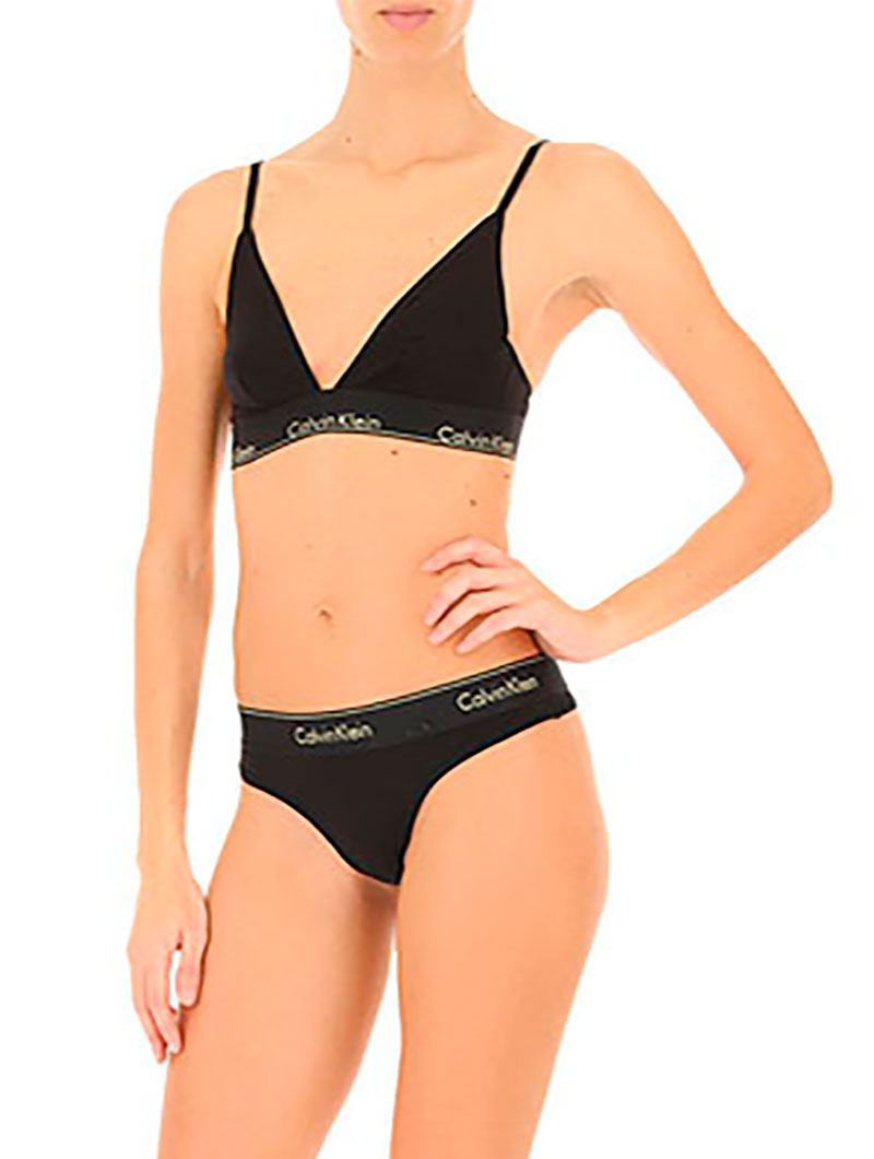 CK UNLINED TRINAGLE IN BLACK