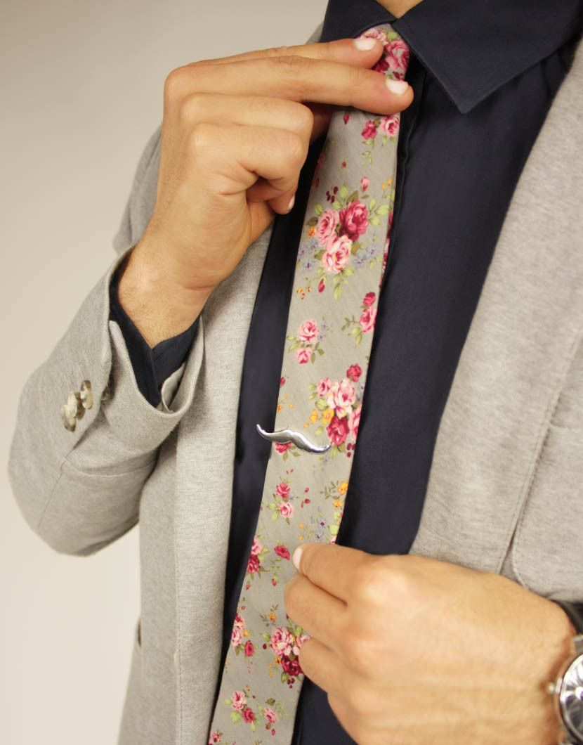 CATHEDRAL GREY SMALL FLORAL TIE