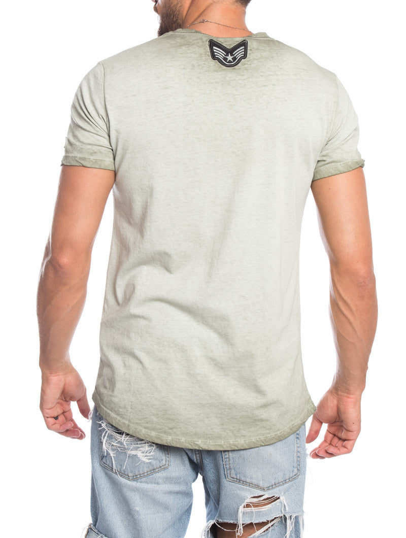 MEN'S CLOTHING | GREEN T-SHIRT WITH RED PATCH | MUSCLE FIT | NOHOW