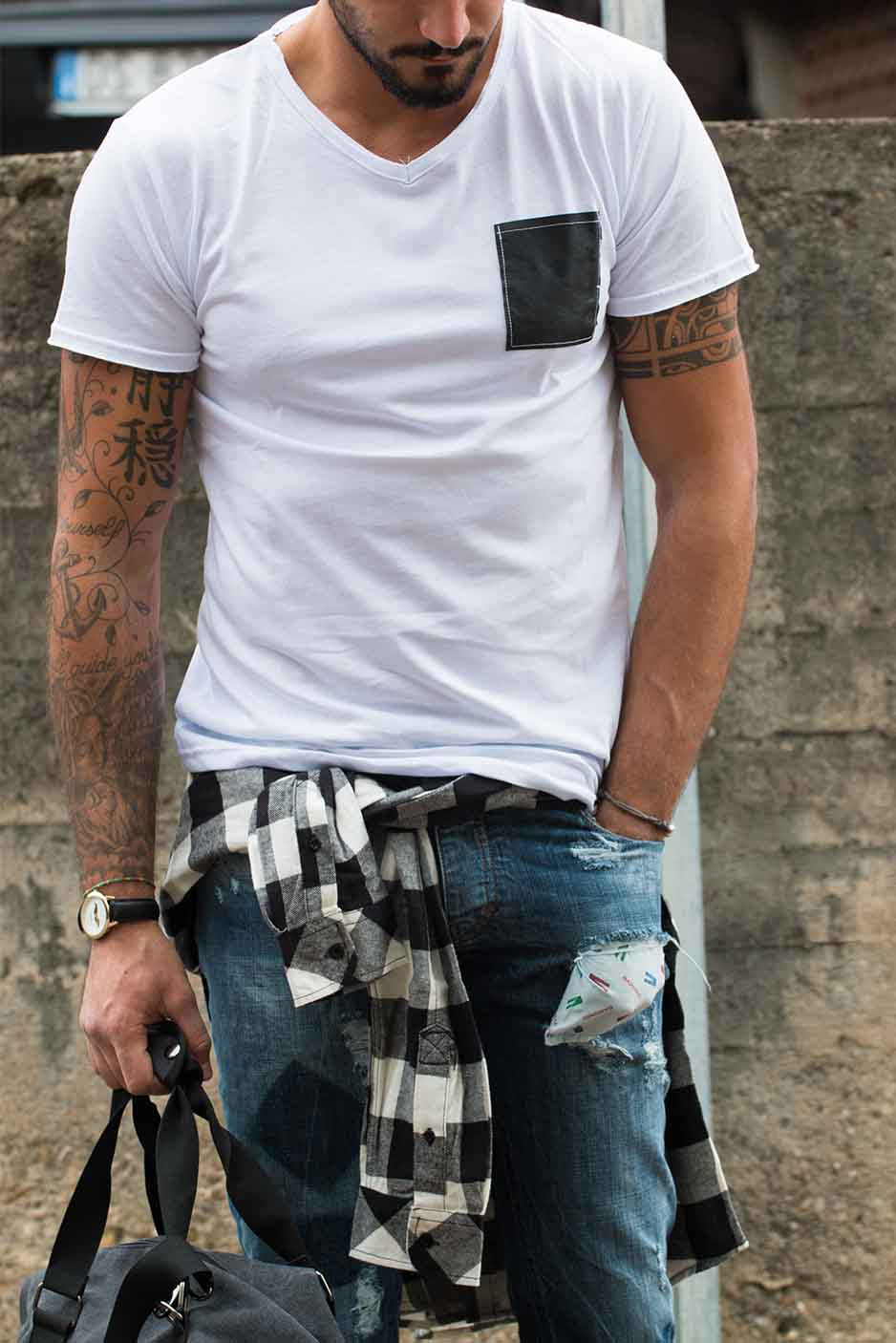 WHITE POCKET LEATHER BLACK T-SHIRT STREET STYLE MAN