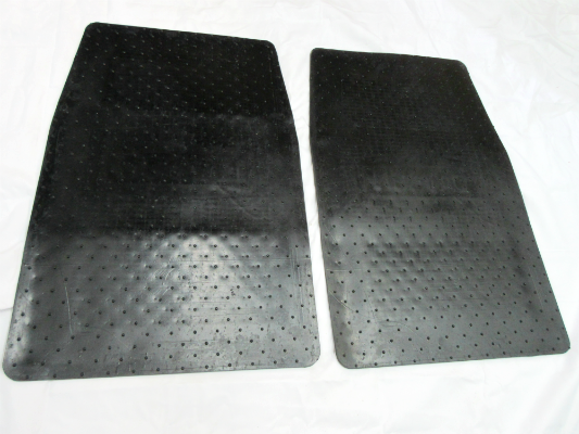 Vintage Style Rubber Floor Mat Set For Most Datsun Nissan