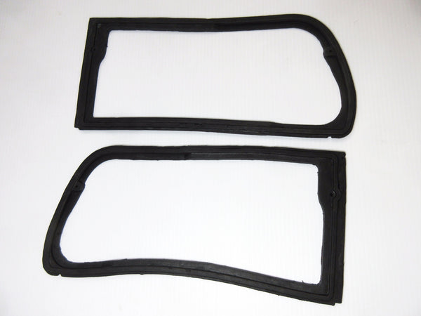 Datsun 280ZX  Tail lamp seal set 82-83
