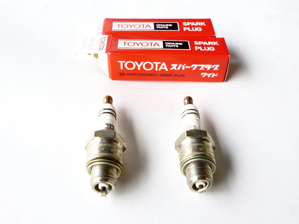 Spark plug set for Toyota Sports 800