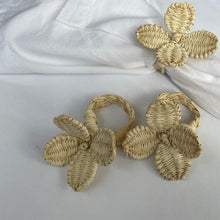 Load image into Gallery viewer, Flowers Napkin Rings Sand - (Set of 4)