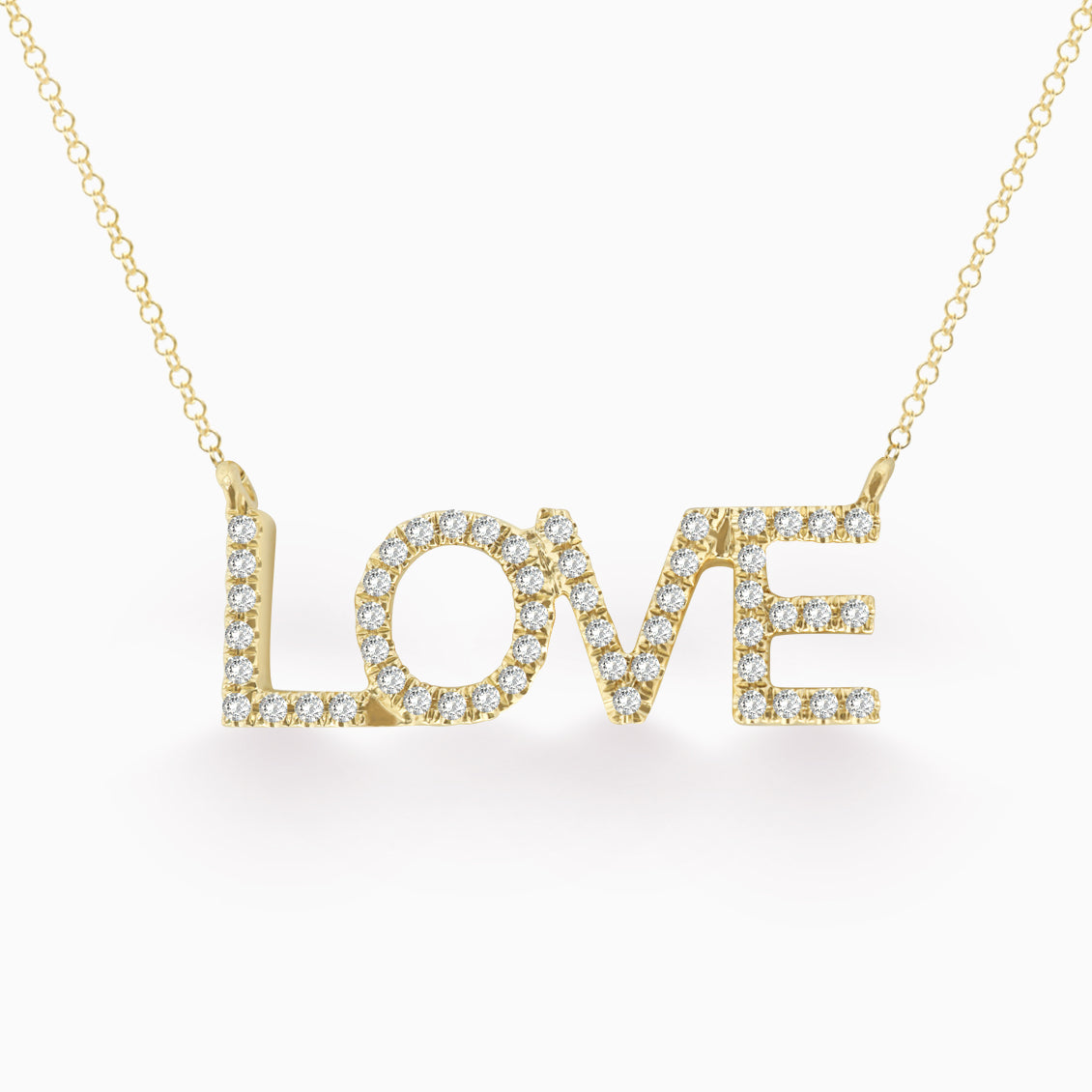 Collar en oro amarillo de 18K ¨Love¨ con brillantes