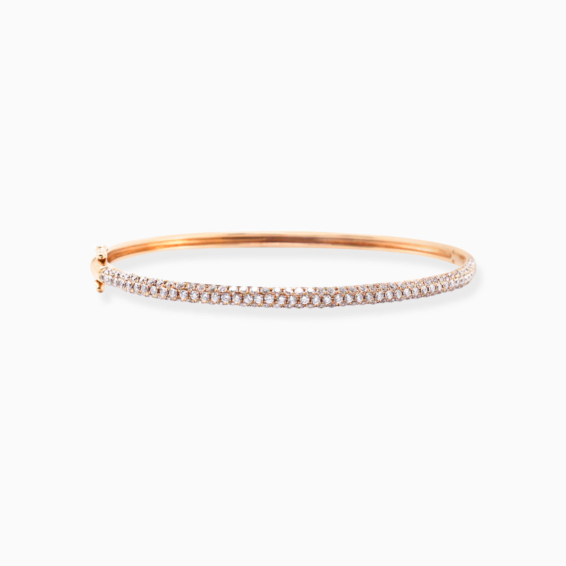 Bangle en oro rosado de 18K con brillantes