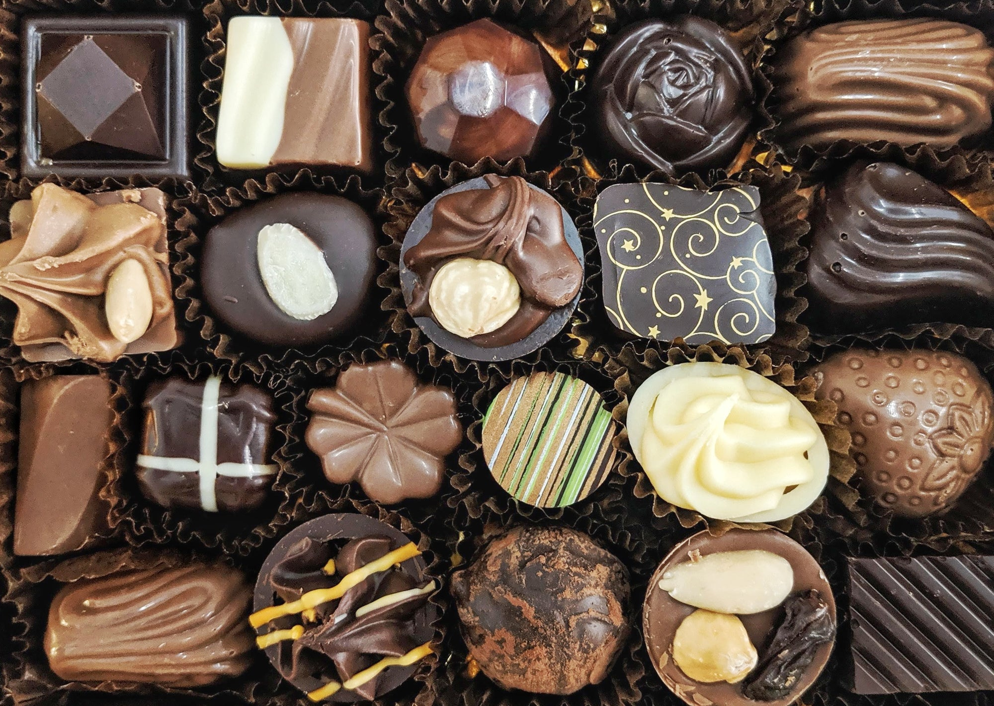 Medium Box of 18 Chocolates - quick selection