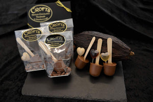 Hot chocolate stirrer with liqueur