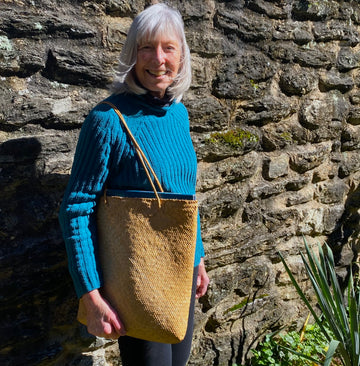 Penny Woven Rattan Simple Purse